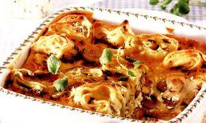 Budinca de macaronae cu ceapa si smantana