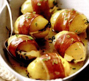 Cartofi_umpluti_inveliti_in_crusta_de_sunca