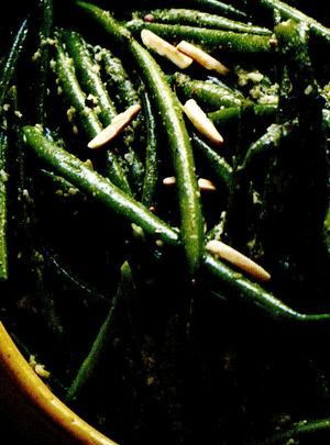Fasole_verde_cu_migdale_si_usturoi