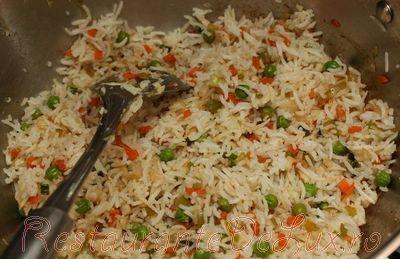 Orez cu legume in sos de soia