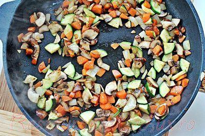 Orez cu legume si ou