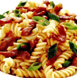 Paste_cu_bacon_si_ceapa_verde