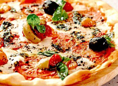 Pizza_cu_blat_din_cartofi