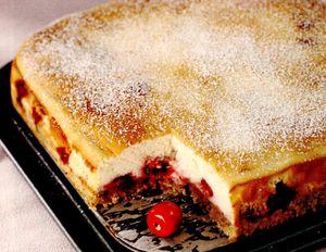 Prajitura_cu_brânza_dulce_si_cirese