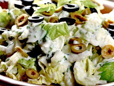 Salata_cu_masline_si_maioneza_vegetala