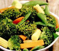 Salata_de_broccoli_cu_porumb_si_mazare