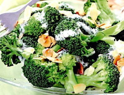 Salata_de_broccoli_cu_ricotta