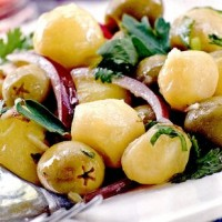 Salata de cartofi cu masline si ansoa