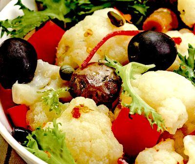 Salata_de_conopida_cu_masline_si_capere