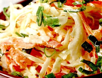 Salată de crudităţi cu maioneză si smantană