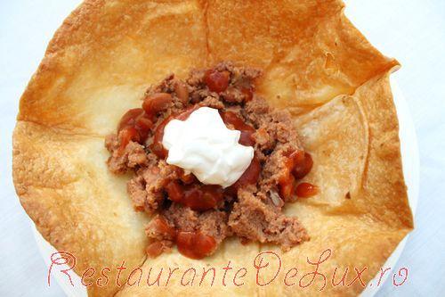 Salata_de_cruditati_cu_pui_in_tortilla_06