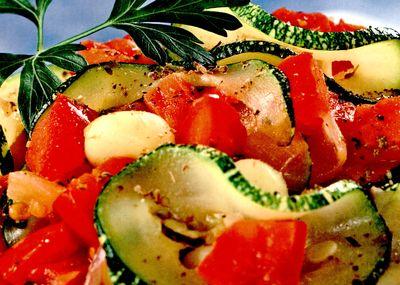 Salata_de_dovlecei_cu_ierburi_aromatice