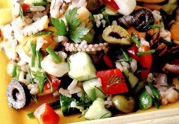 Salata_de_fructe_de_mare_cu_sos