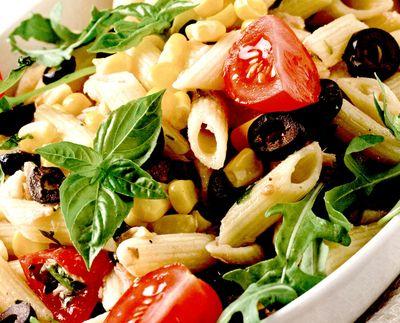 Salata_de_penne_cu_legume