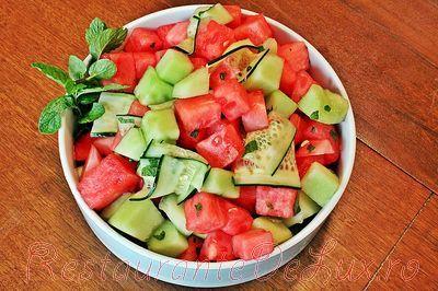Salata de pepene cu castravete