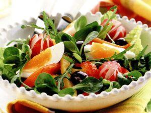Salata de valeriana cu pastrama