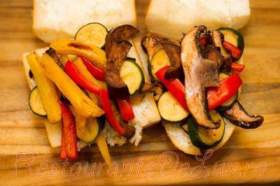 Sandwich cu legume la cuptor