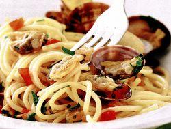 Spaghete_cu_scoici_si_usturoi