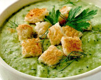 Supă de legume verzi şi verdeţuri