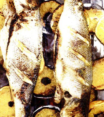 Biban de mare cu legume la aburi in sos de busuioc
