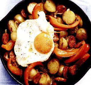 Cartofi_cu_ceapa_si_oua