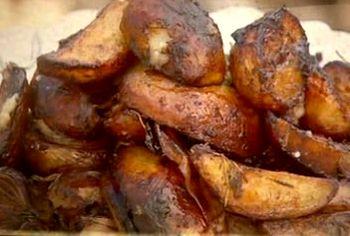 Cum_se_prepara_Fritpura_de_porc_cu_cartofi_si_ceapa