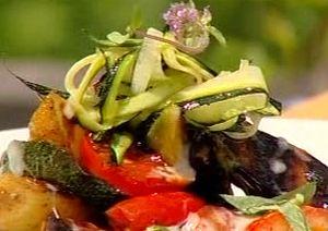 Cum_se_prepara_salata_de_legume_gratinate_cu_sos_de_mozzarella