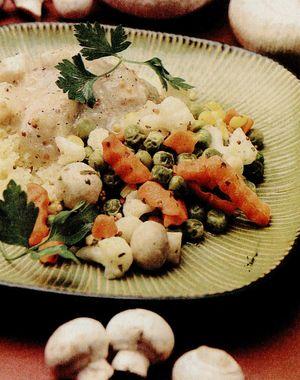 Cuscus_cu_pui_si_legume.png