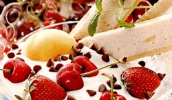 Desert_cu_branza_si_fructe_de_sezon
