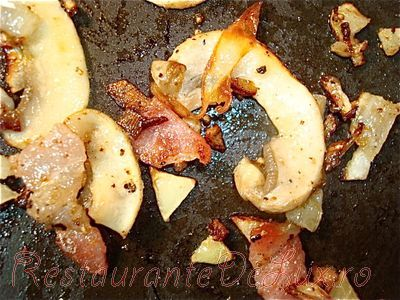 Omleta cu branza si bacon