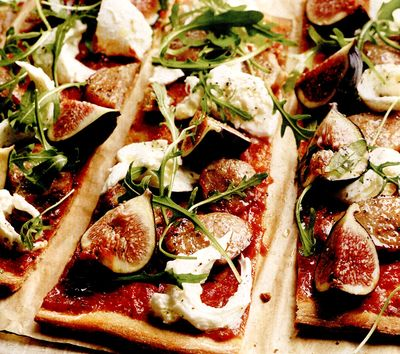 Pizza cu smochine si prosciutto