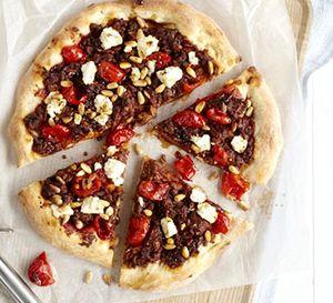 Pizza_cu_carne_tocata_de_vita_si_branza_feta