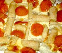 Prajitura_cu_caise_si_branza_dulce