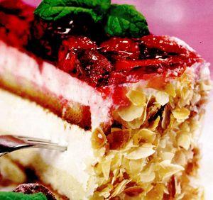 Prăjitură cu brânză si cu zmeură