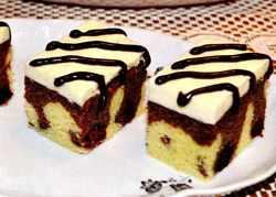 Prajitura_cu_mure_si_ciocolata_neagra
