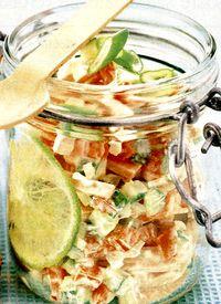 Salata cu parizer, oua si smantana