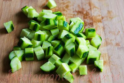 Salata de castraveti cu avocado si ton