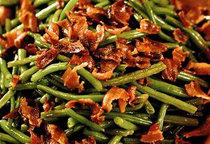Salata_de_fasole_pastai_cu_bacon