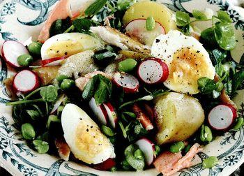 Salata de cartofi cu pestisori afumati