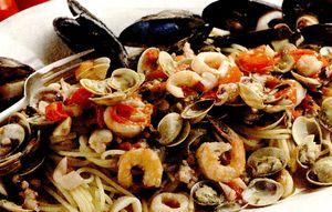 Spaghete_cu_fructe_de_mare_si_ardei_iute