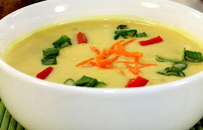 Supa_thailandeza_cu_ardei_iute_si_avocado