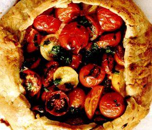 Tarta_cu_pasta_de_verdeturi_si_rosii_cherry