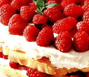 Tort_cu_zmeura_si_frisca