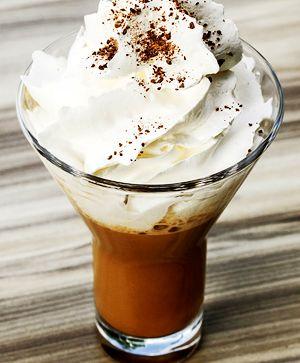 Cafea_cu_frisca_si_coniac