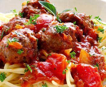 Chiftelute_de_vita_cu_spaghete
