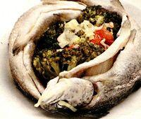 Pastrav_cu_legume_si_sos