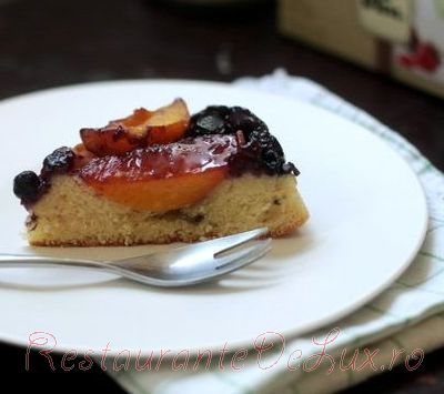 Prajitura_delicioasa_cu_fructe_10