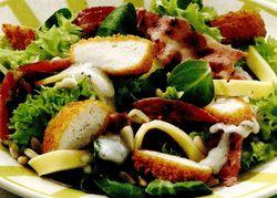Salata_Caesar_cu_snitel_de_pui_si_mozzarella