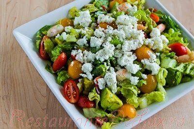 Salata cu rosii si vinegreta de capere