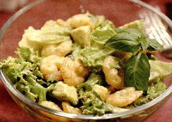 Salata_de_creveti_cu_avocado_si_busuioc